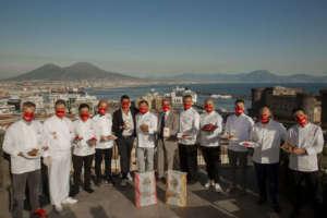 Tutti i concorrenti del contest San Gennà 2020 con Antimo e Mauro Caputo presso la terrazza del Renaissance Mediterraneo